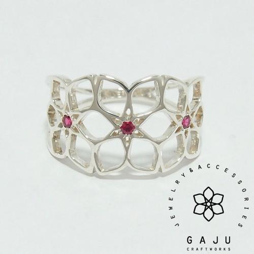 gajuvana Trinity ring (medium・Synthetic ruby)
