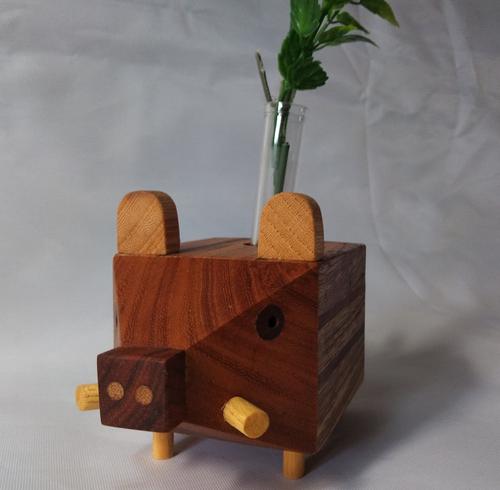 木製干支亥一輪挿し