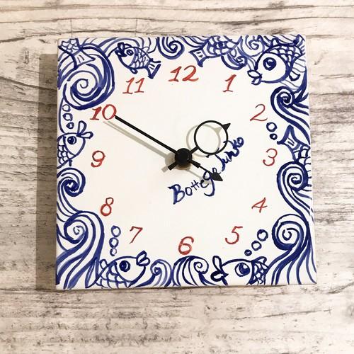 マヨリカ焼き タイル時計 15cm×15cm 魚と波柄