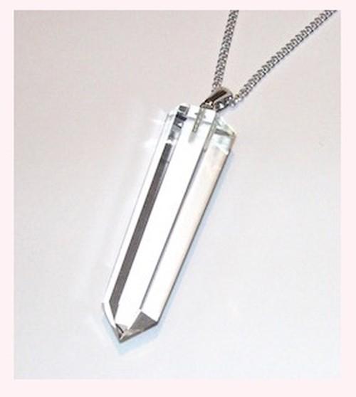 水晶六角柱のペンダント 長さ約40ミリ パワーストーン クリスタルペンダント