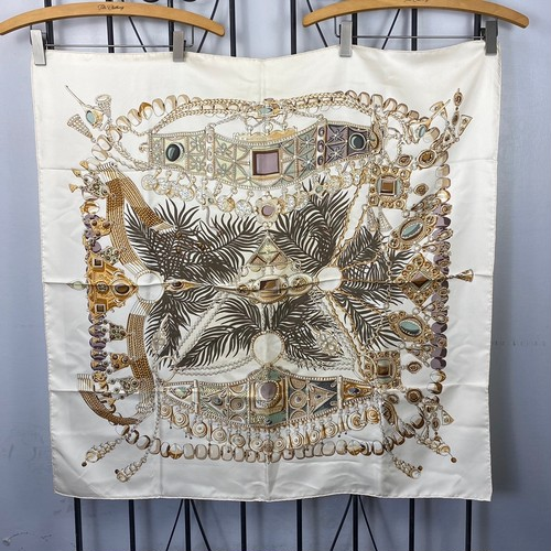 HERMES CARRE90 SILK100% SCARF TERRES PRECIEUSES MADE IN FRANCE/エルメスカレ90シルク100%スカーフ(貴重な場所)