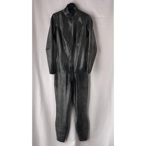 ラバーキャットスーツ