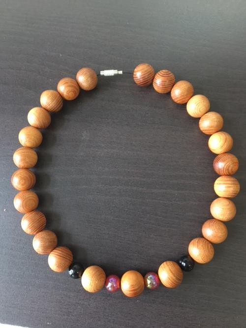 欅(ケヤキ)15mm玉ネックレス