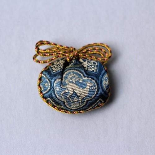 錦の香袋「聖宝洋犬文」紺