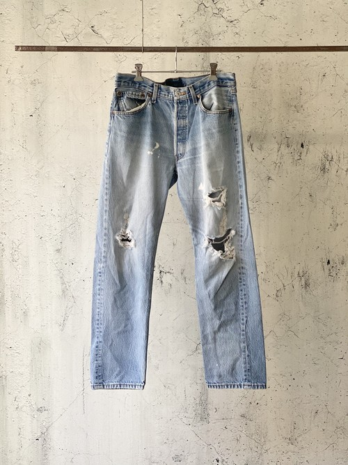 Levi's501 damaged denim