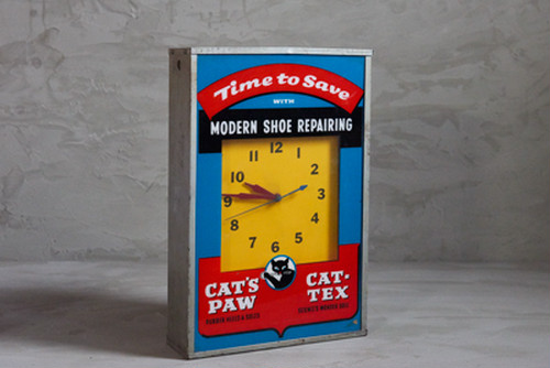 CAT'S PAW CLOCK