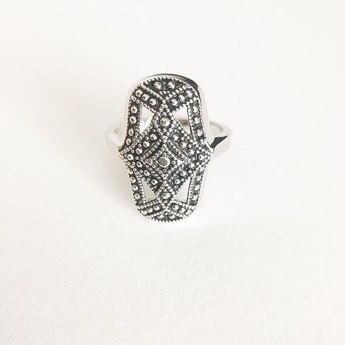 """AVON"" Antique Style ring #13[r-87]"