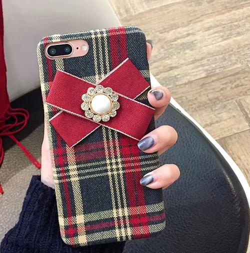 【予約商品、送料無料】タータンチェックのケースに赤いリボン付iPhoneケース