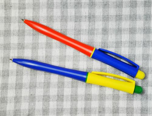 【Vintage品】 デッドストック ドイツ ビタミンカラーノックボールペン