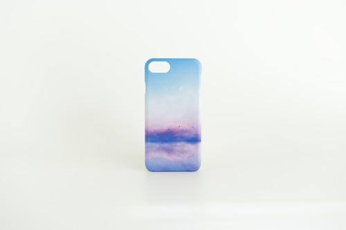 青い空と湖の、スマホケース