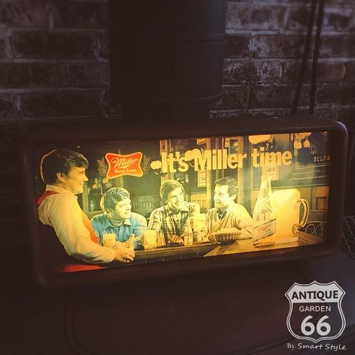 ミラービール Miller Beer 80's アメリカンヴィンテージ ライト サイン 電飾看板 アンティーク ディスプレイ【F-053-065】