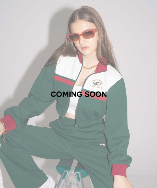 Compact track jacket