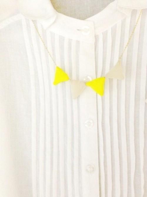 sankaku necklace - flag -