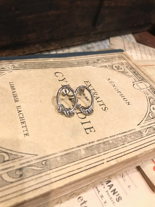 oln/ deformed pierce(silver)