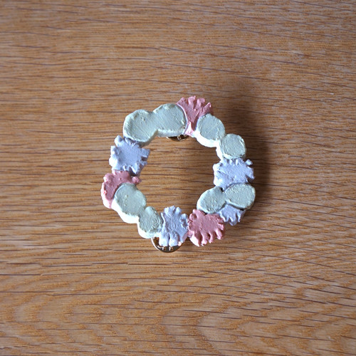 flower and butterfly race brooch (f)