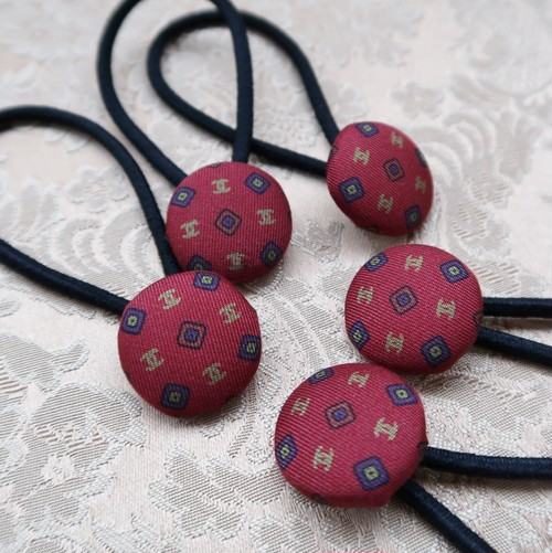 【F】VINTAGE CHANEL FABRIC Walnut button HAIR TIE WINERED