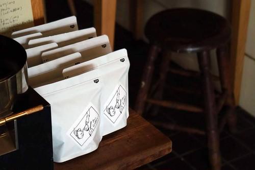 【1ヶ月に1回お届け 計4回分】ストレート珈琲2種おまかせ(中深煎り〜深煎り)