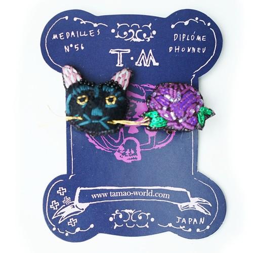 ネコフラワー刺繍ピアス/イヤリング(黒猫&purpleバラ)