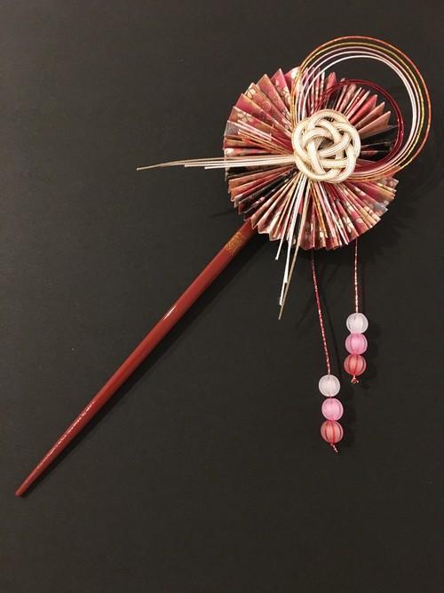 """水引と和紙のかんざし 〜大輪の花火〜Japanese traditional hairpin """"Kanzashi"""" decorated with """"Mizuhiki"""" (Japanese Decorative string) and """"Origami""""(Japanese paper craft)."""