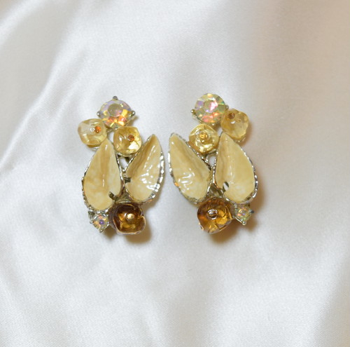 VINTAGE leaf motif with rhinestone x beads earring