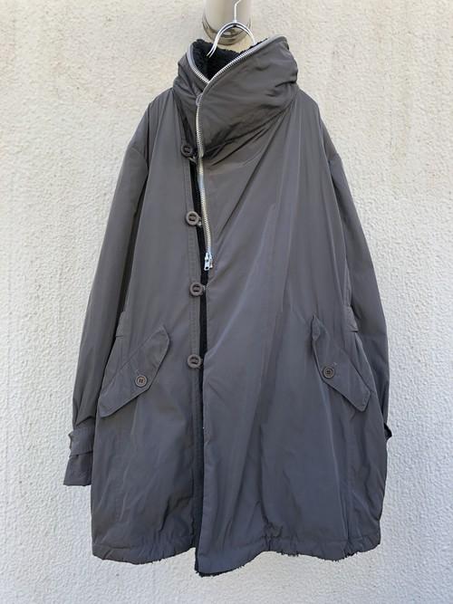 Final home / Hi neck nylon coat