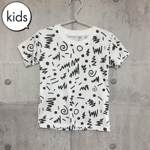 【送料無料】 80s Black Kids T-shirts M 80s 総柄 黒 キッズ Tシャツ M