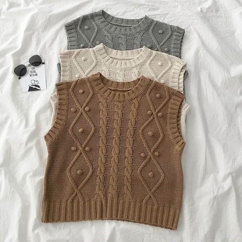 【送料無料】 かわいいボンボン付き♡ ケーブル編み ニット ベスト ノースリーブ セーター ラウンドネック