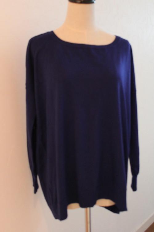 ロイヤルブルーセーター UNTITLED シルク&カシミアのセーター