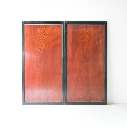 杢目際立つ杉一枚板戸 二枚組