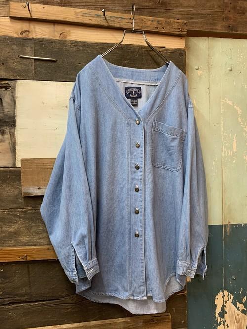 90's women's no collar v-neck shirt