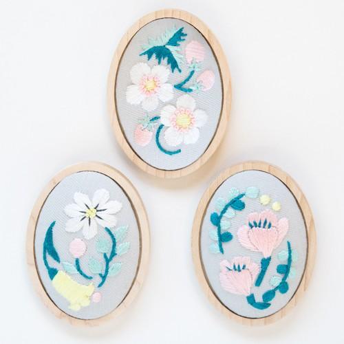 『花の国』ブローチ刺繍キット