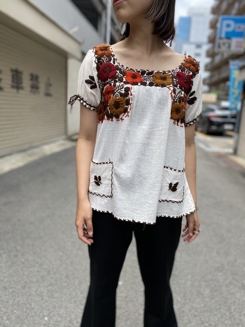 embroidery blouse brown