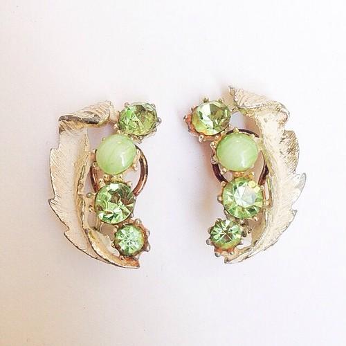 green rhinestone earring[e-27]