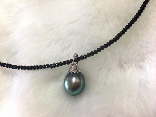 黒蝶真珠9.5ミリブラックスピネルペンダント