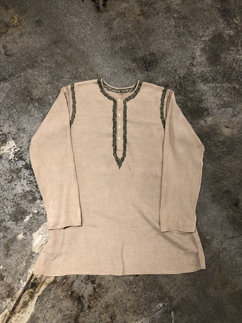 OLD Emboidery Pullover Shirt