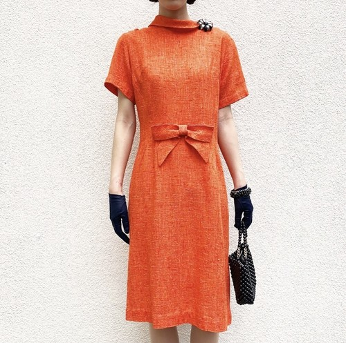 VINTAGE orange design collar dress front big ribbon