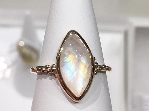 K10YG Rainbow moonstone ring