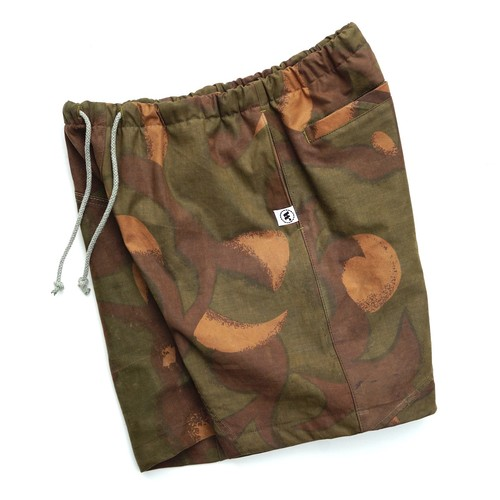 """EASY SHORTS"" HUNGARY HURRICANE CAMO size:M ③"
