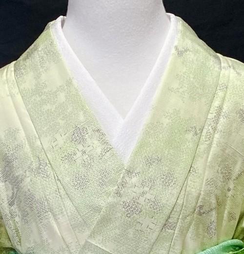 〈淡い黄緑色の十日町紬着物〉SALE  新品未使用品 単衣紬 トール 初夏着物