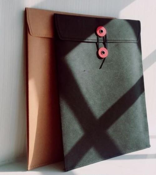 送料無料【皮のような洗える紙素材シリーズ お洒落な書類収納バッグ(A4サイズ/縦)】紙 (黒・ベージュ)
