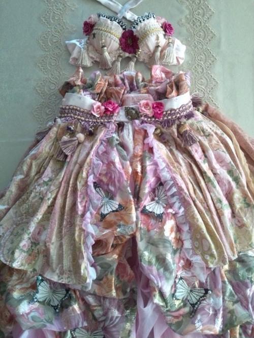 Rococo Bra&belt skirt