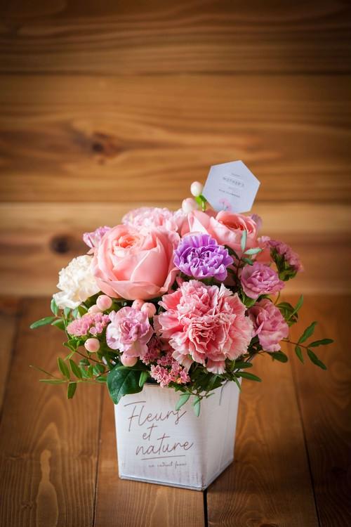 【母の日・花のプレゼント】ナチュラリーローズ(ピンク系アレンジメント)