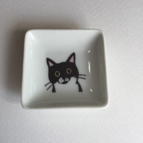 【112197-551】波佐見焼 3cats 角豆皿 クロ