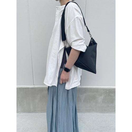 【sandglass】triangle bag(M)black / 【サンドグラス】トライアングル バッグ(M)本体 ブラック