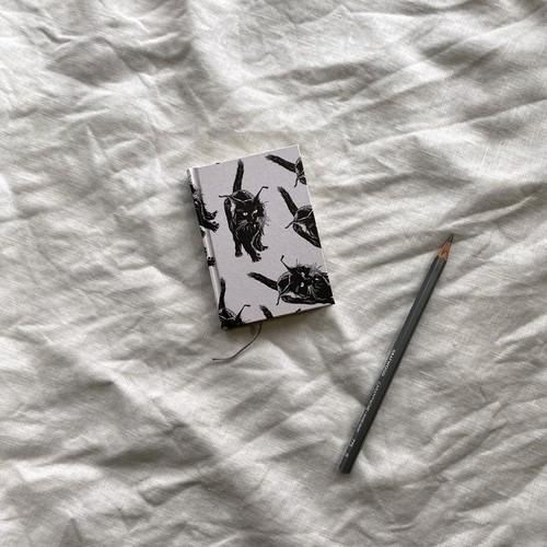 世界のプリントペーパーを使ったノート M  黒猫模様