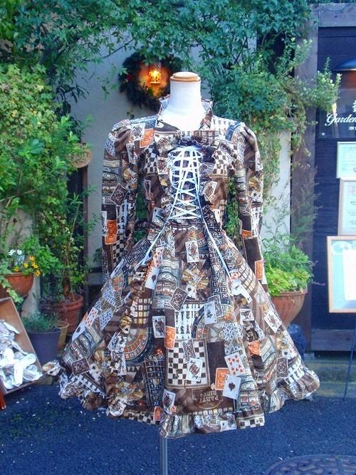 カジノトランプの姫袖リボン編み上げフリルワンピース