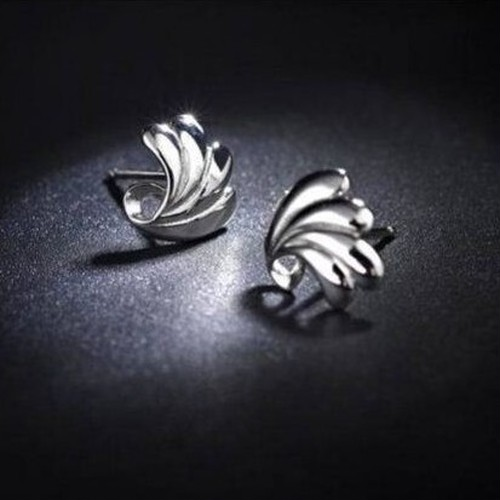 Feather stud - silver