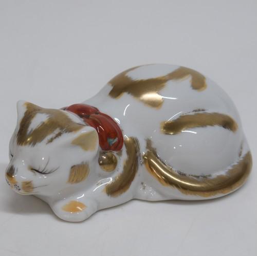 九谷 眠り猫 金錫、金彩 猫置物 猫オブジェ