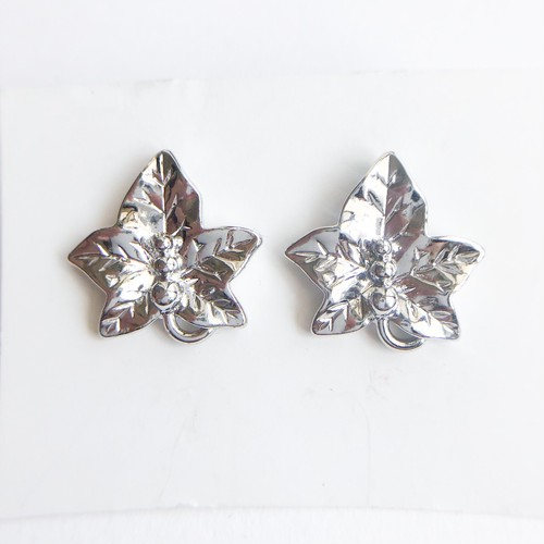 """AVON"" Precious Leaf pierce[p-692] ヴィンテージピアス"