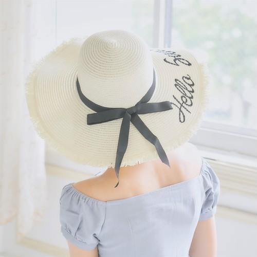 刺繍つばひろ麦わら帽子